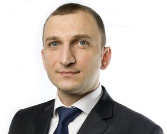 埃明· 马梅多夫